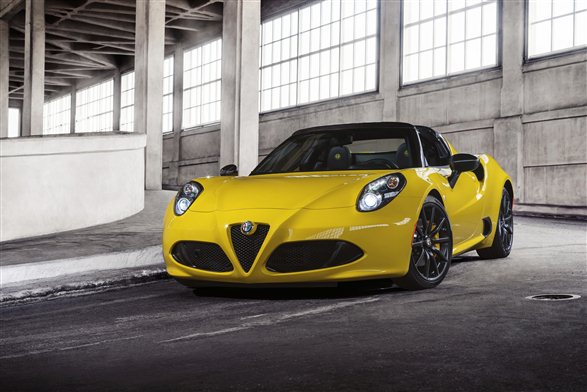 Production Alfa Romeo 4C unveiled in Detroit